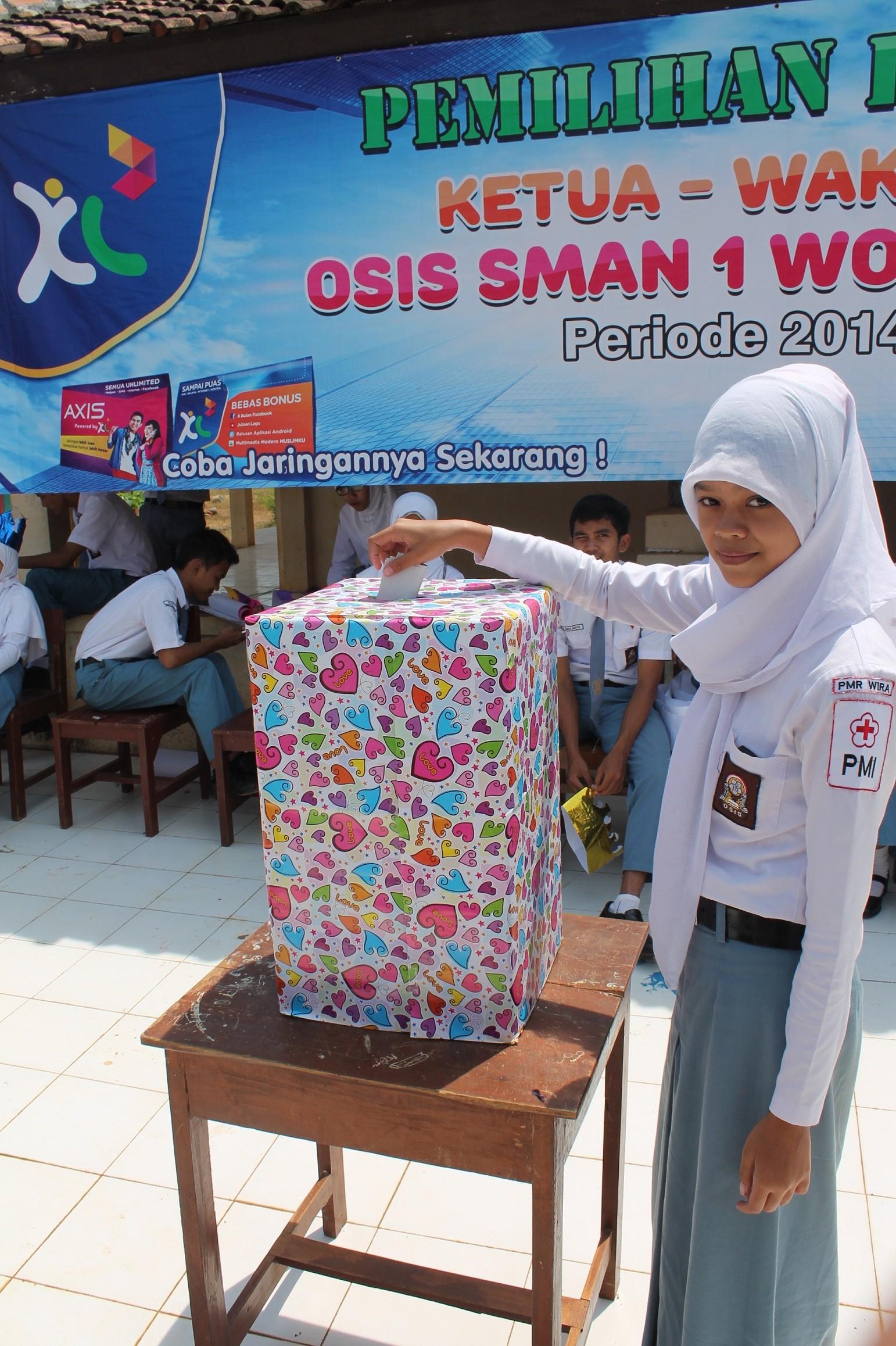 Ficky Septi Yurini Terpilih Sebagai Ketua OSIS 2014-2015